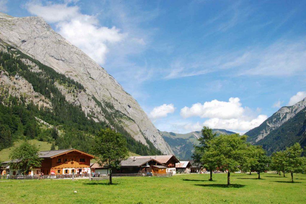 Die Engalm - Station zum Übernachten auf der Karwendeltour